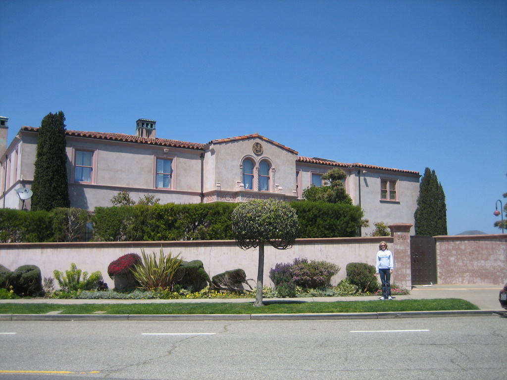 Tag Archives: Robin Williams House